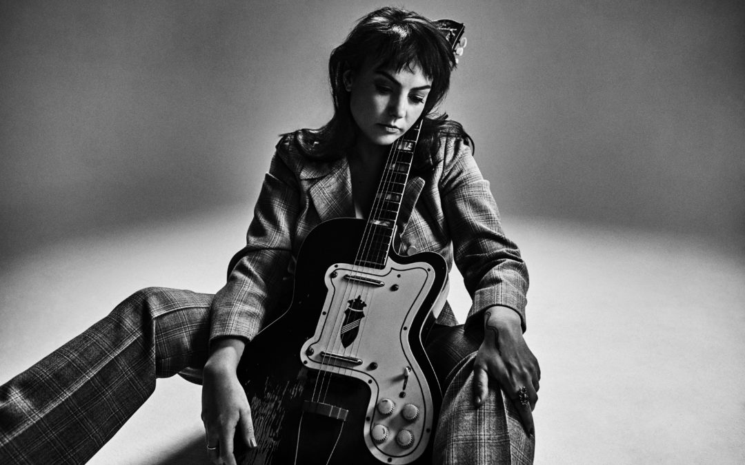 RECENSION: Angel Olsen – Whole New Mess